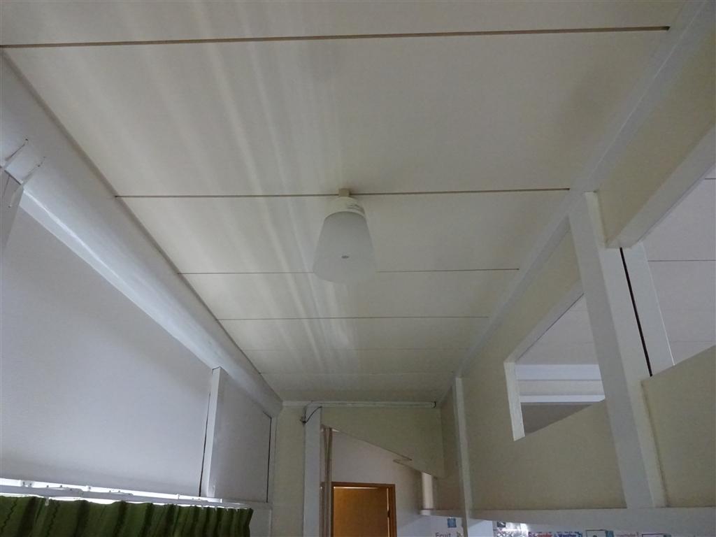 えいごのひろば 改装工事 教室廊下 天井
