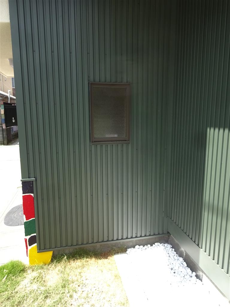 えいごのひろば 改装工事 玄関横窓&サイディング