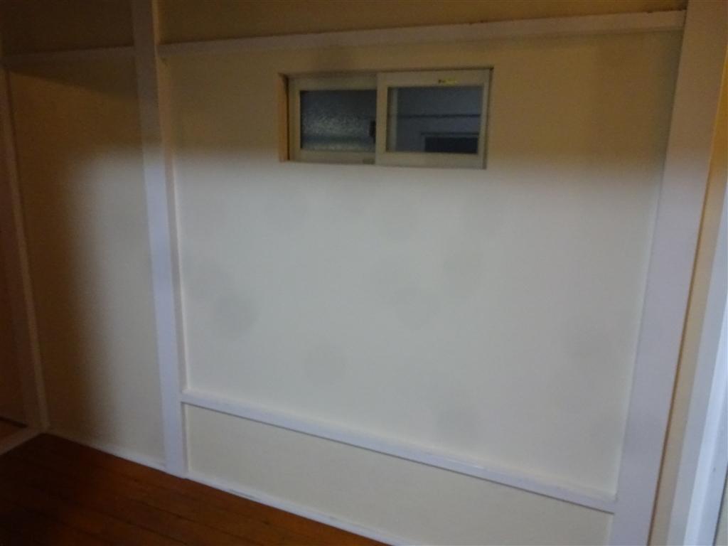 えいごのひろば 改装工事 2F 北側廊下 窓 屋内