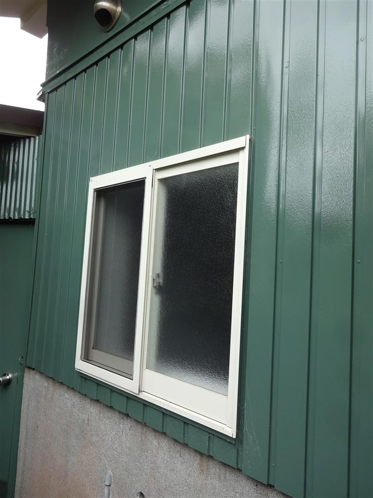 えいごのひろば 改装工事 浴室 窓 外側