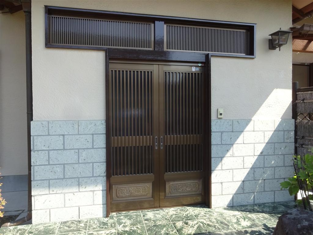 玄関扉木部のみ塗装