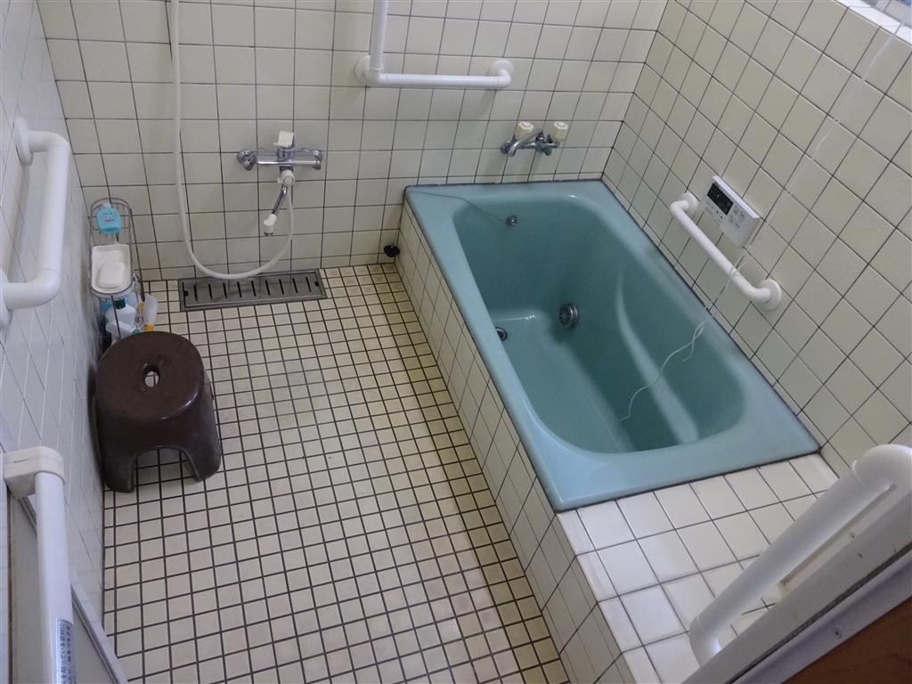 この家で暮らしていくしか・・・介護保険活用!浴室手すり