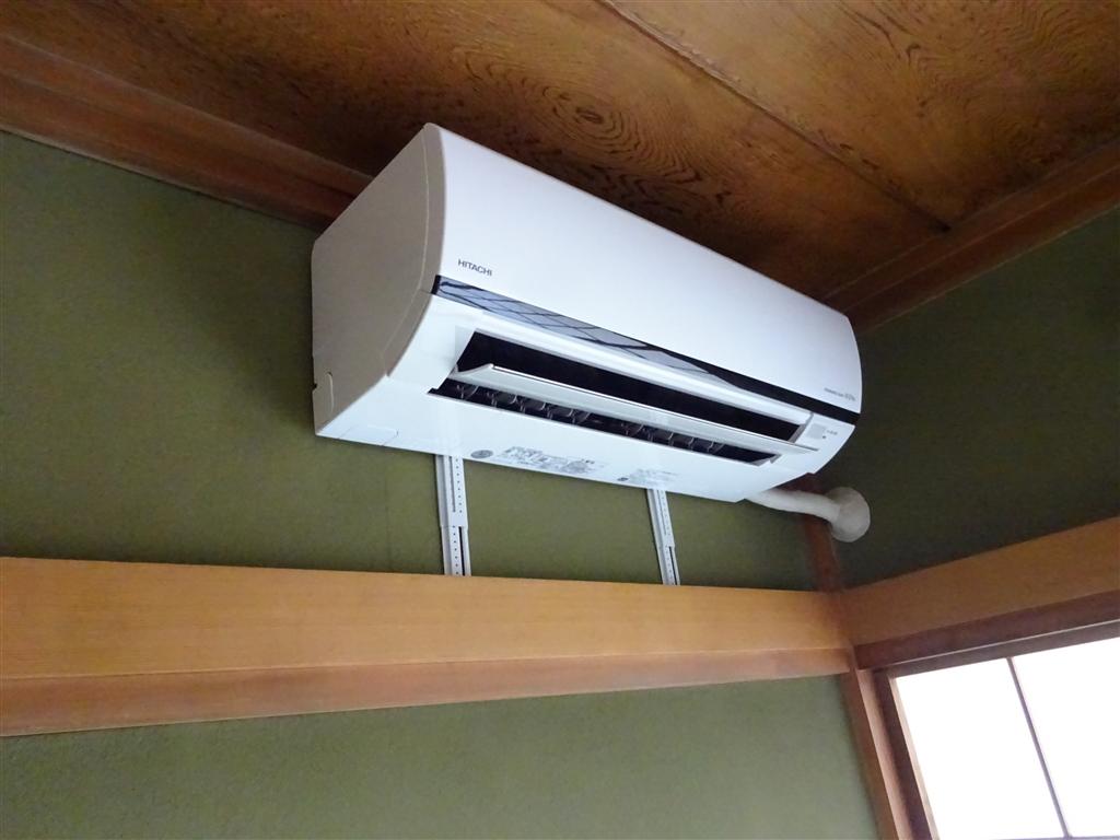 この家で暮らしていくしか・・・ エアコンをアパートから移設♪
