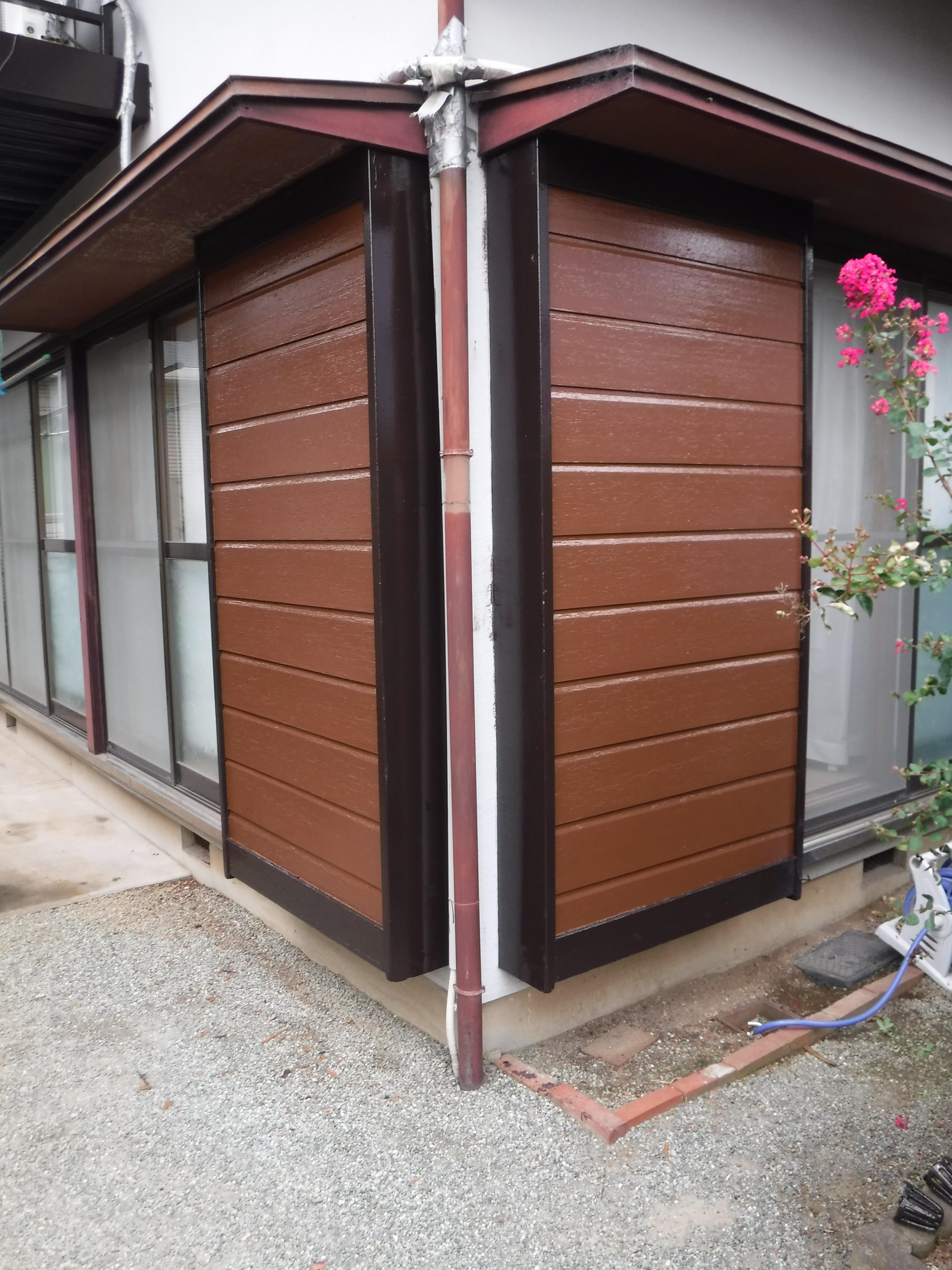 雨戸の戸箱だけ塗装お願いします。全10ヶ所