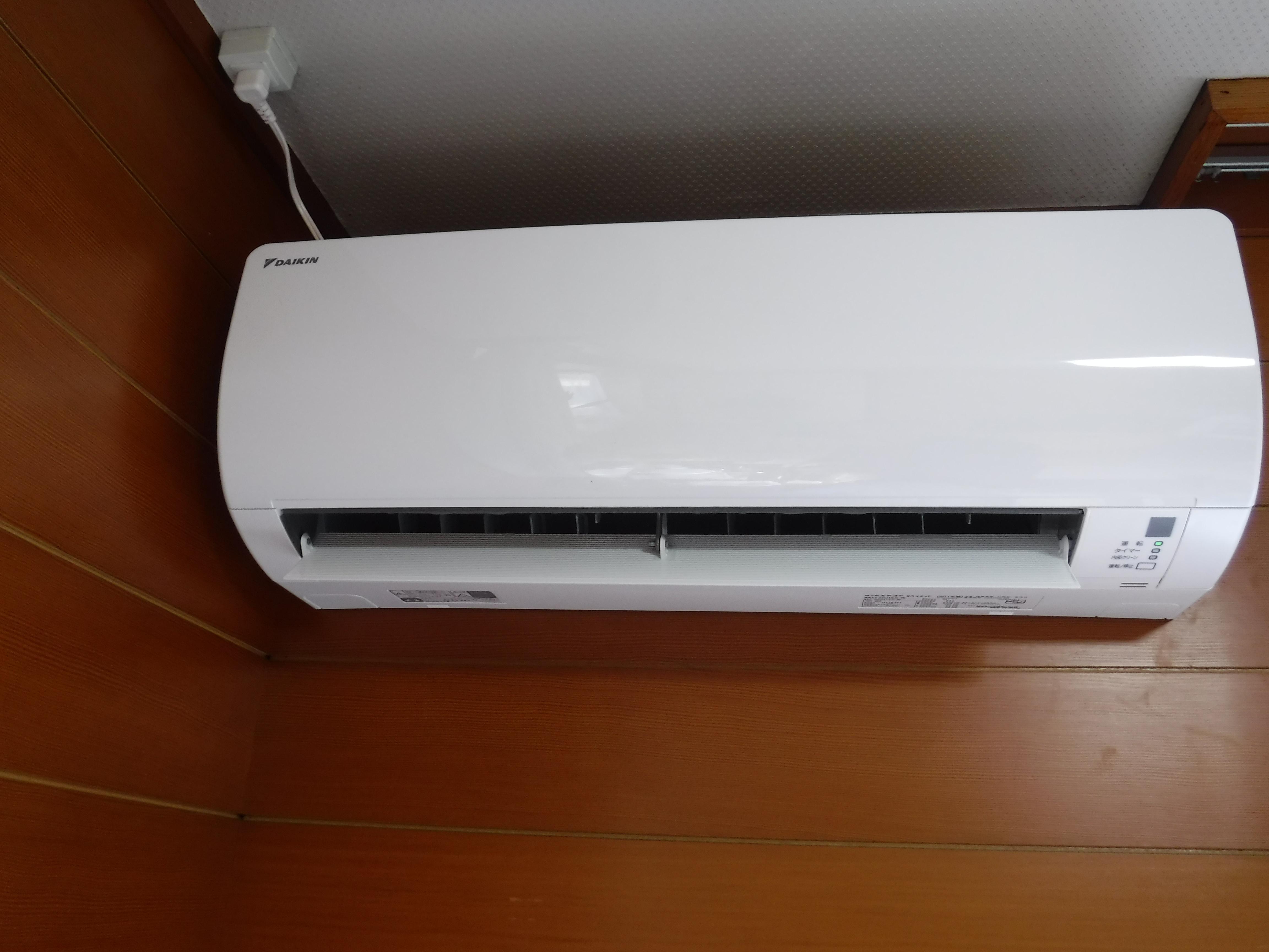 塗装工事の際にエアコンも取替えB
