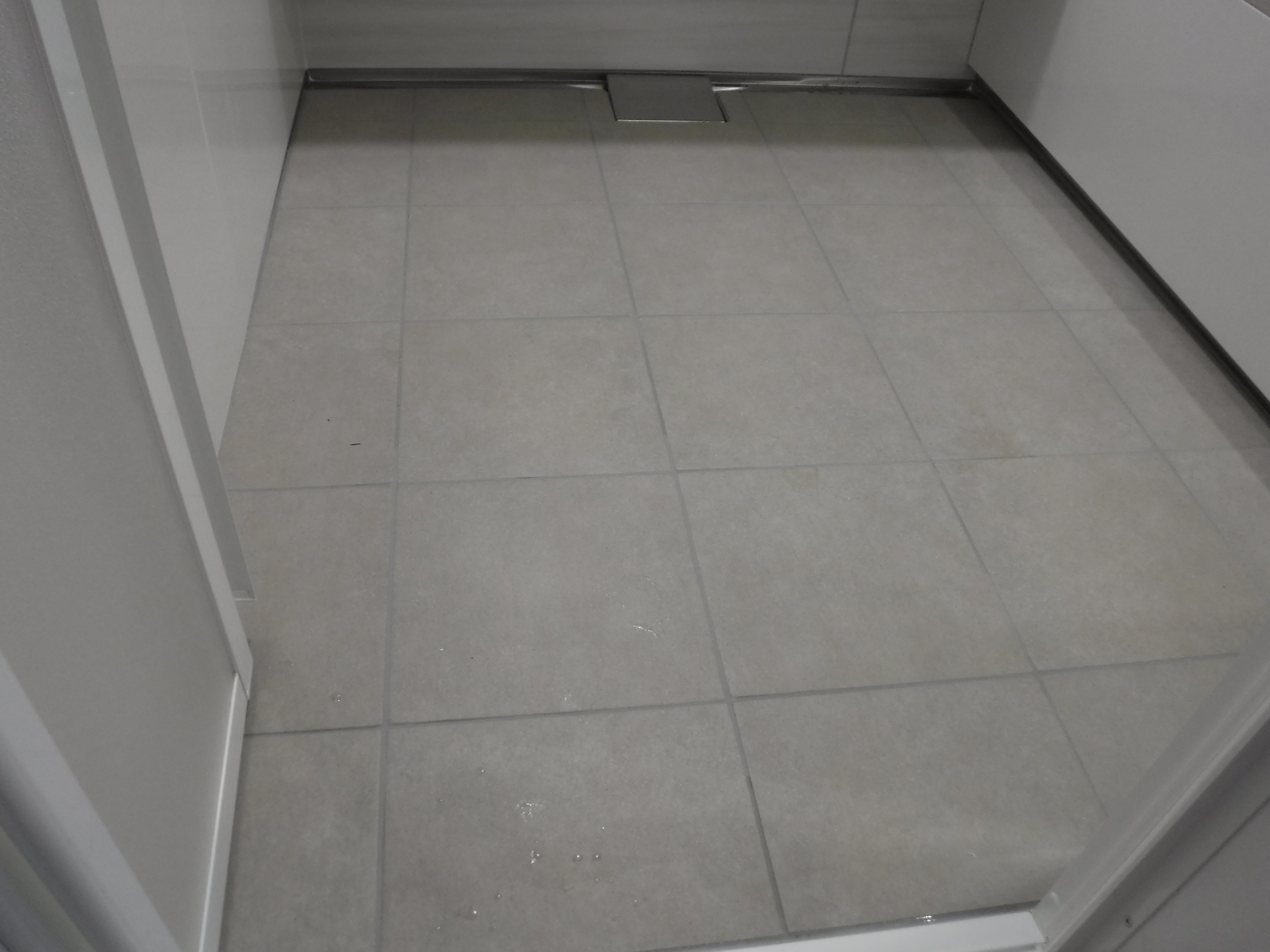 大きなお風呂のままで改装工事 床 キープクリーン フロア