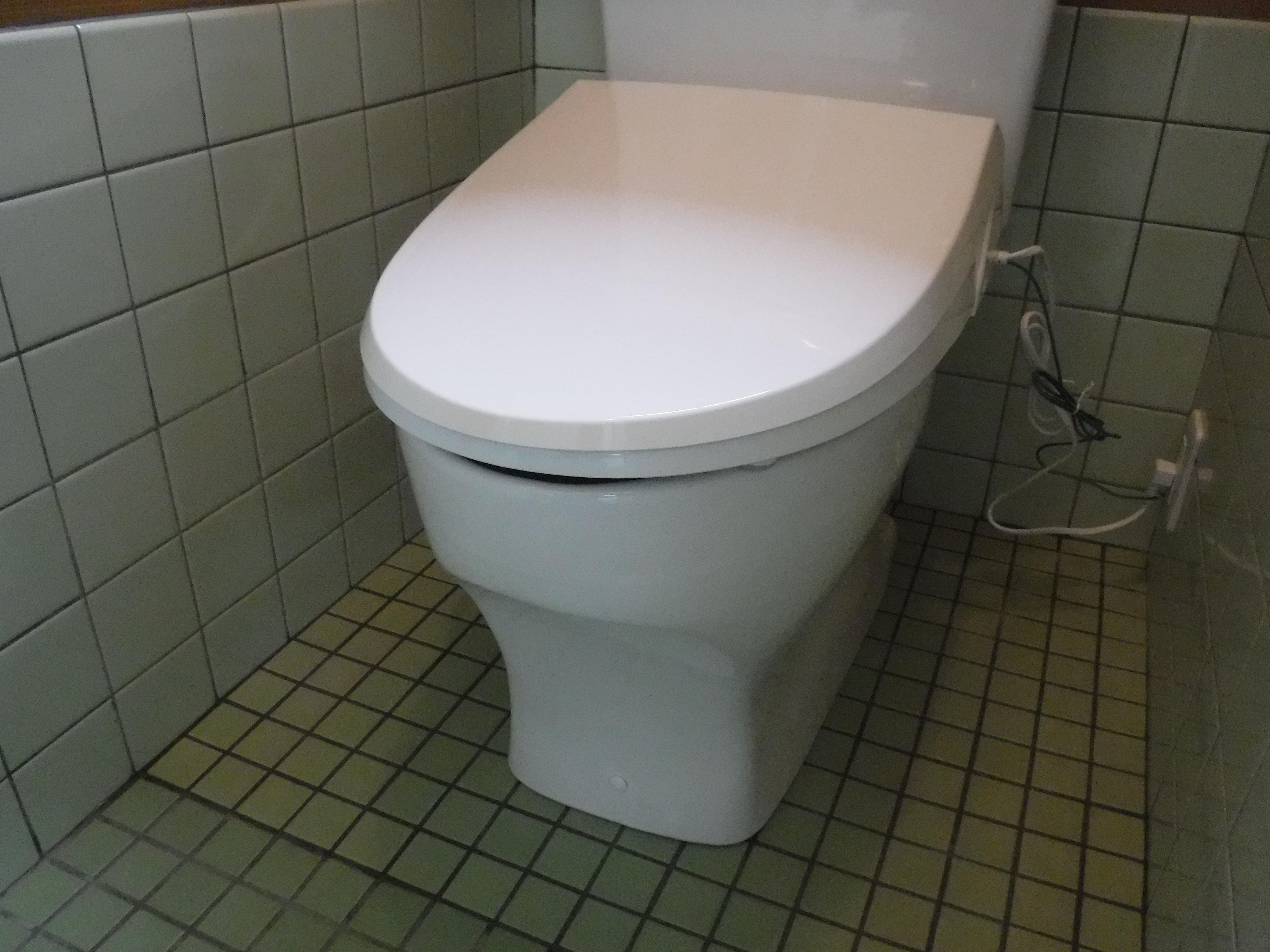お店をやるので・・・PAKU×2(パクパク)トイレ改装 工事手順