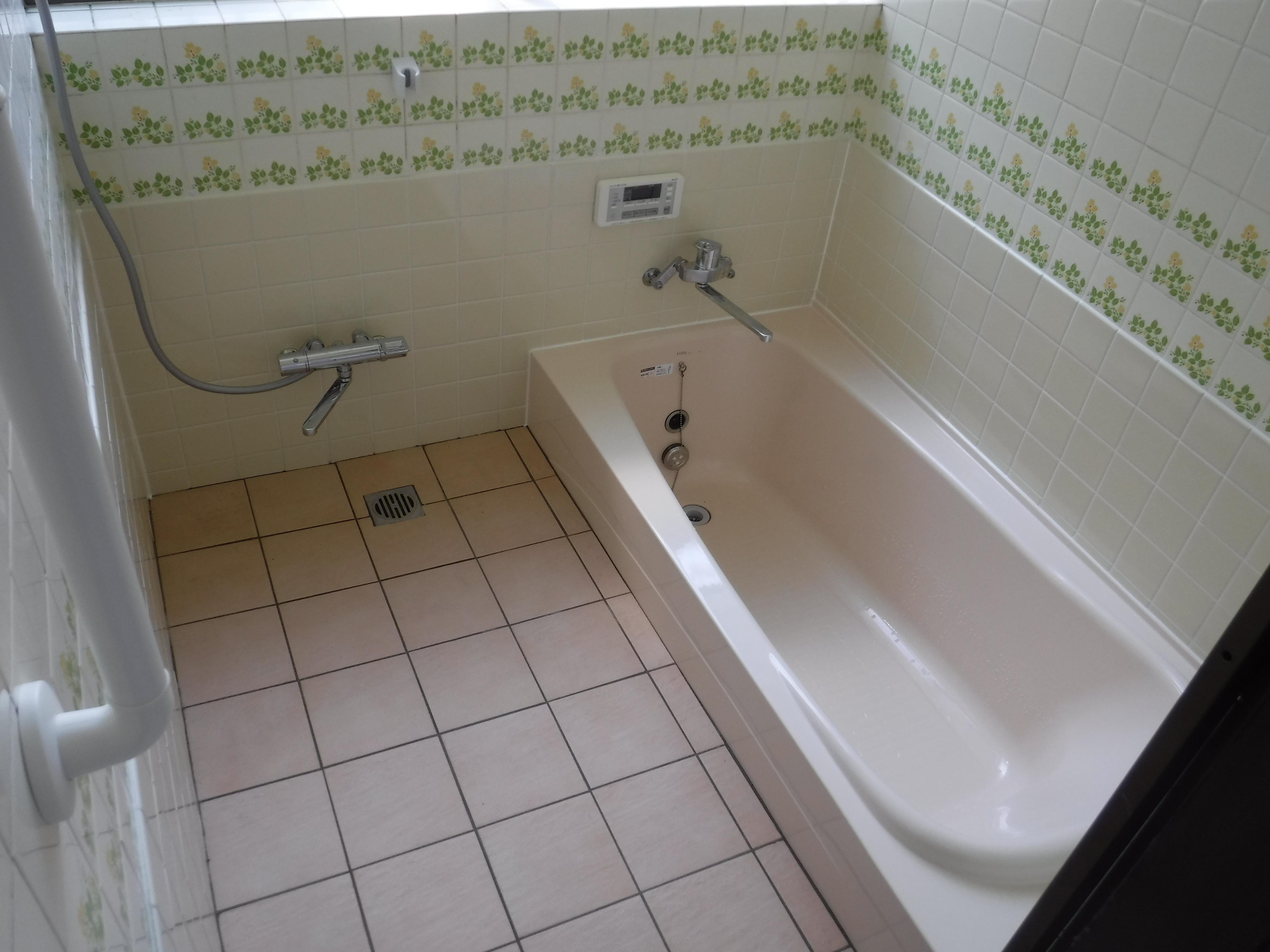 いろんな会社がシステムバスを勧めます♪違う方法は?浴室全体