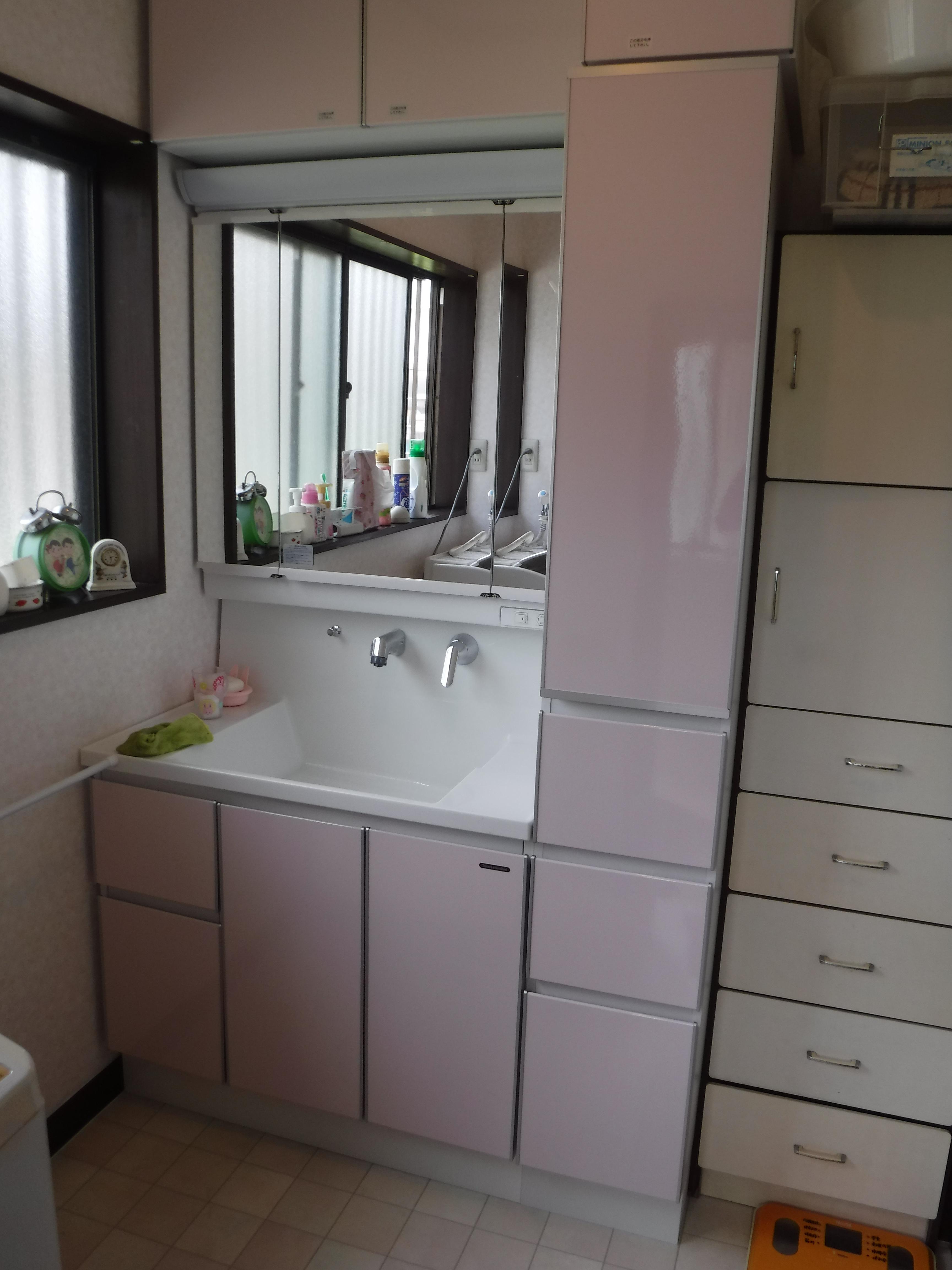 浴室の補修費用を抑えたので、洗面化粧台取替え♪