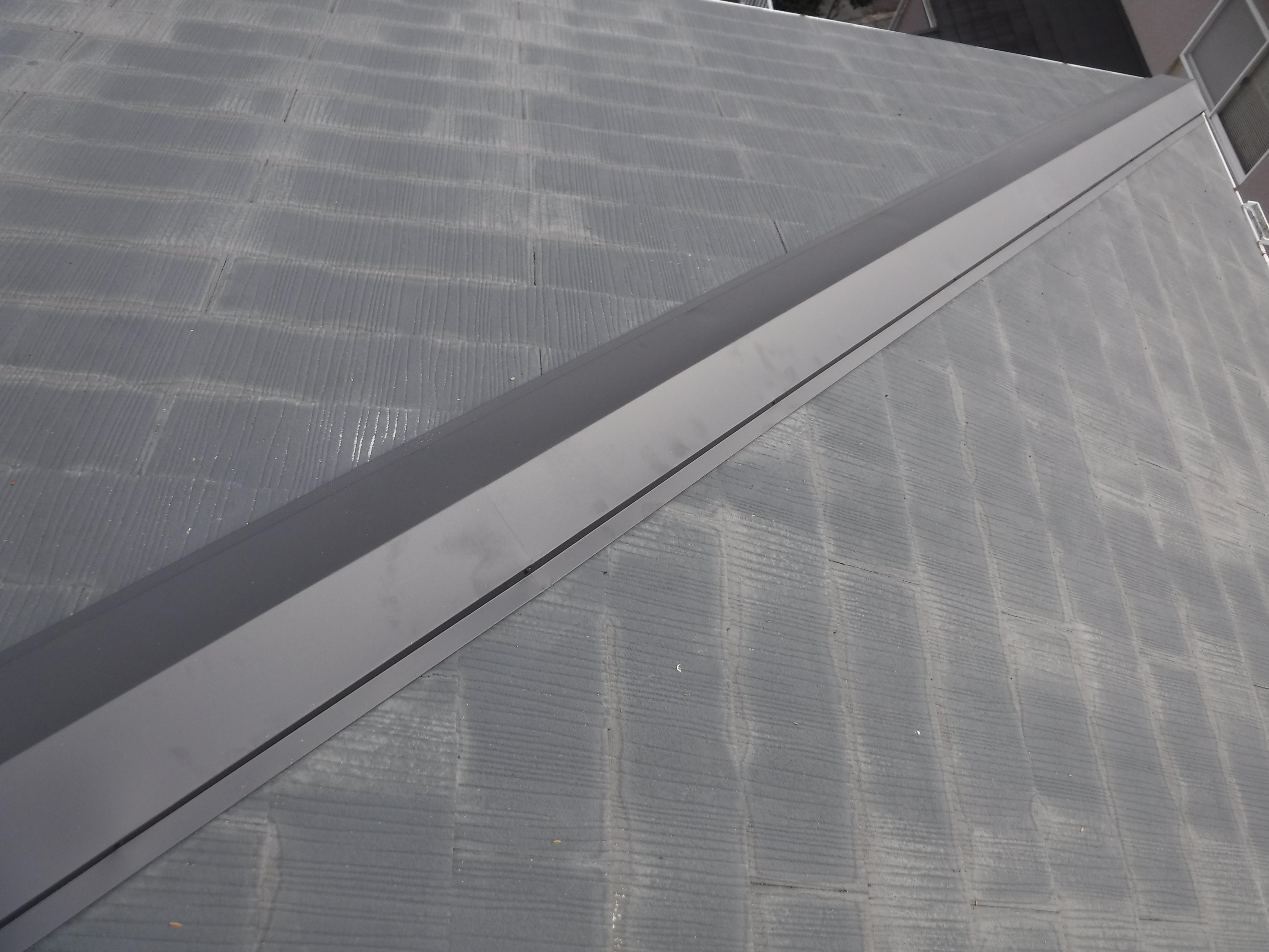 あれ?屋根の棟が飛んで無くなっておりますよ!台風24号被害