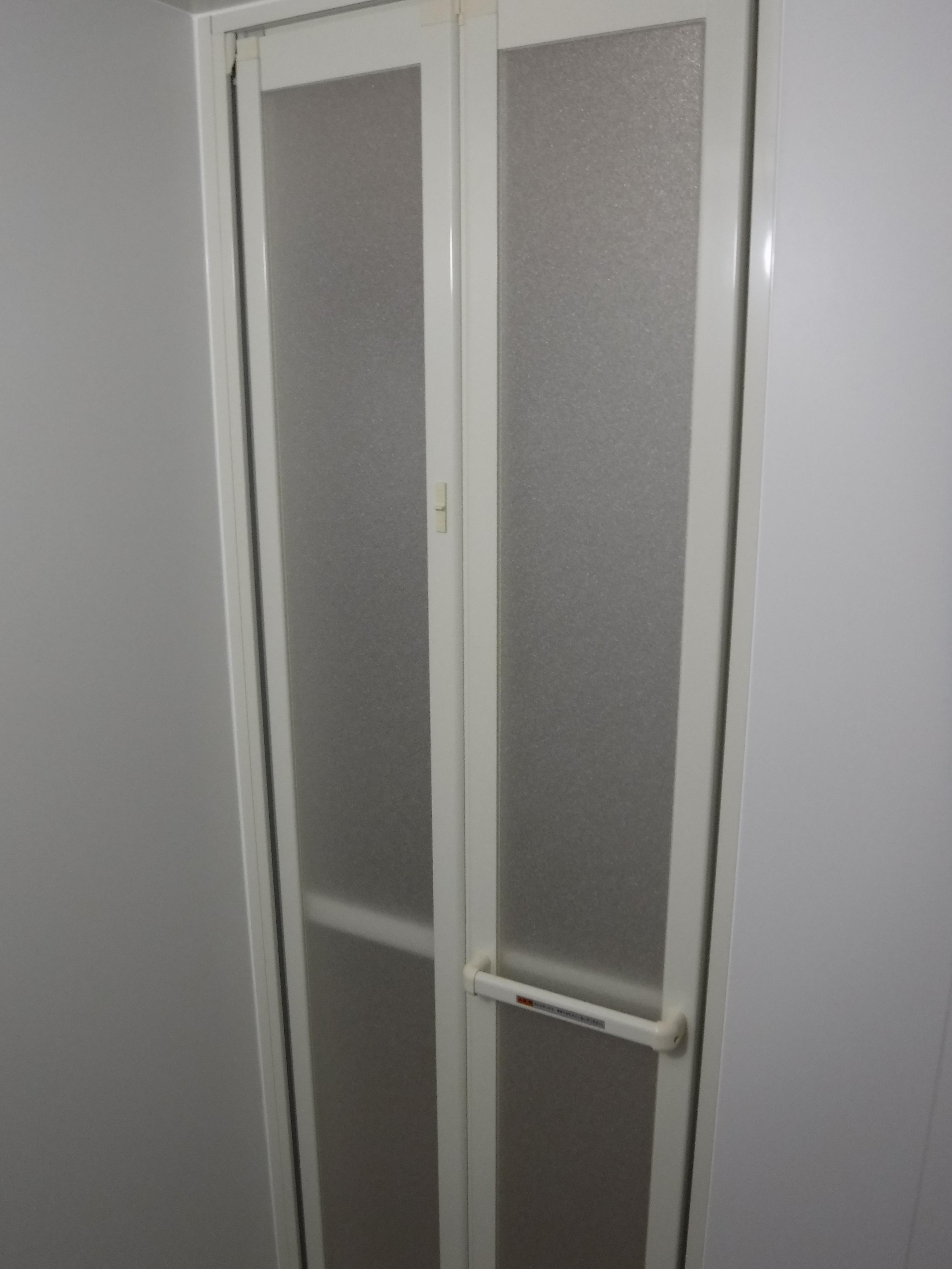介護保険を活用して改装工事 浴室 BW1216 入口扉