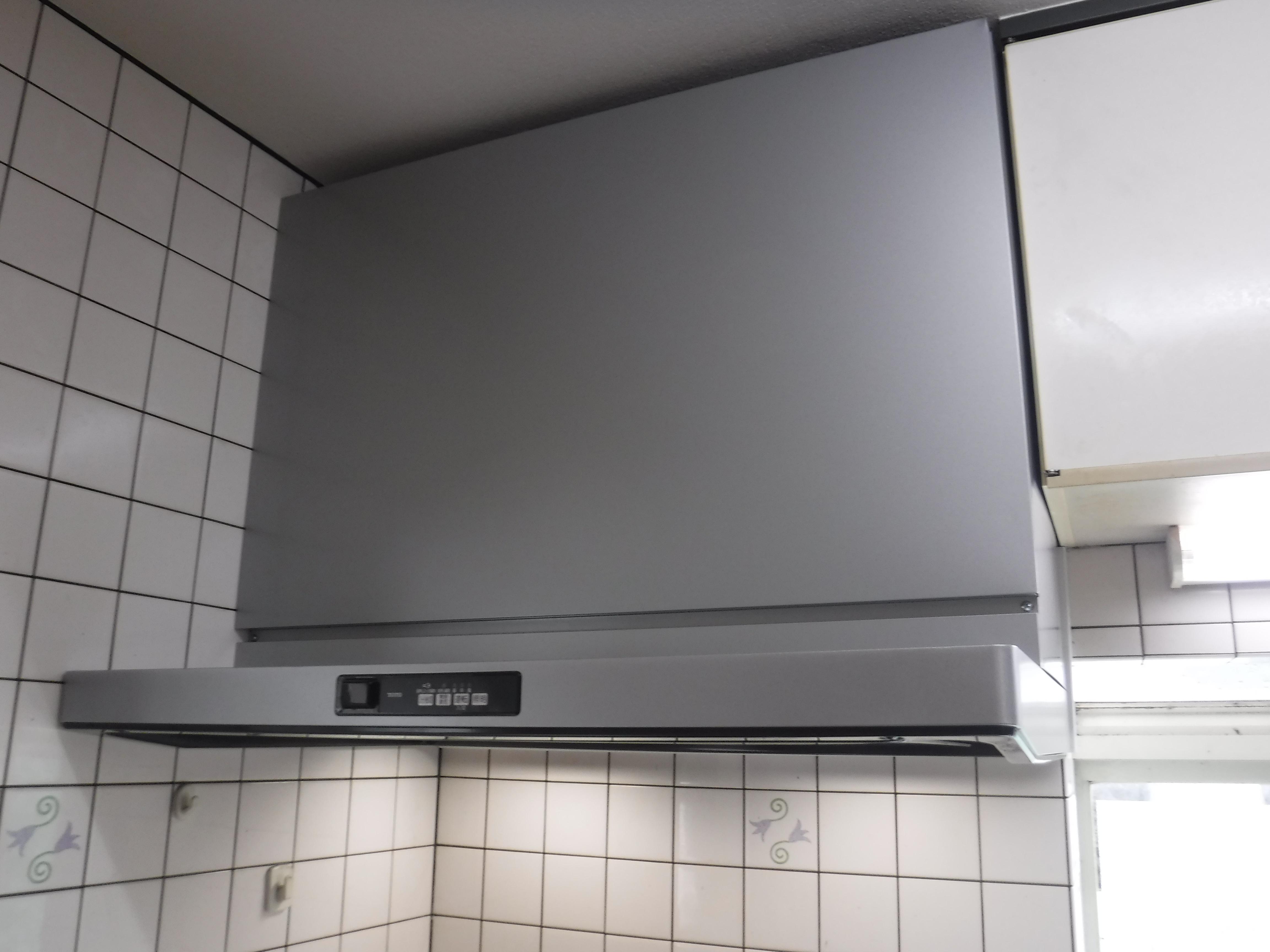 漏水していました。お金を貯めて改装工事 キッチン クラッソ スーパークリーンフード