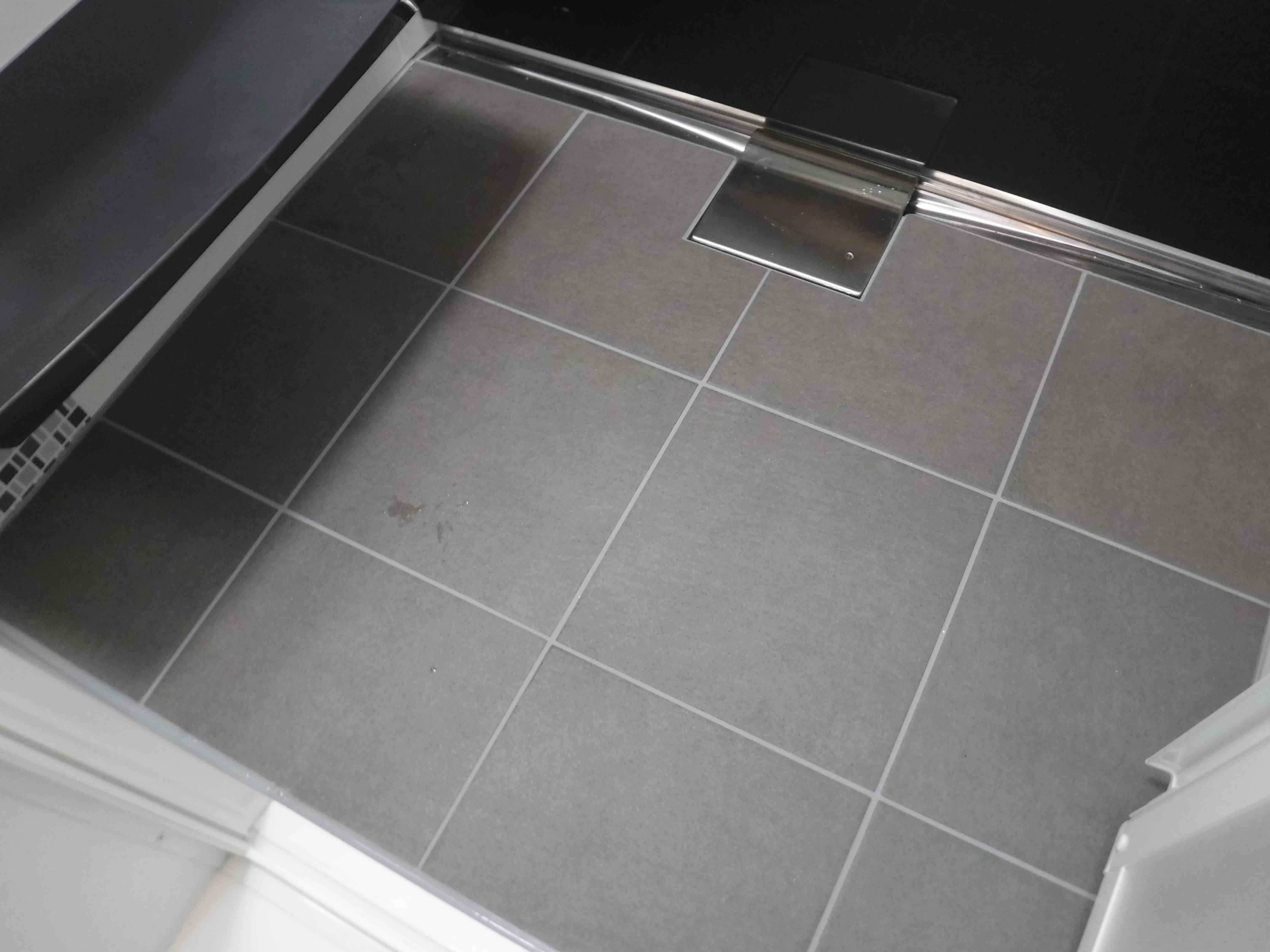 浴室もやっぱり! 伸びの美浴室 洗い場床