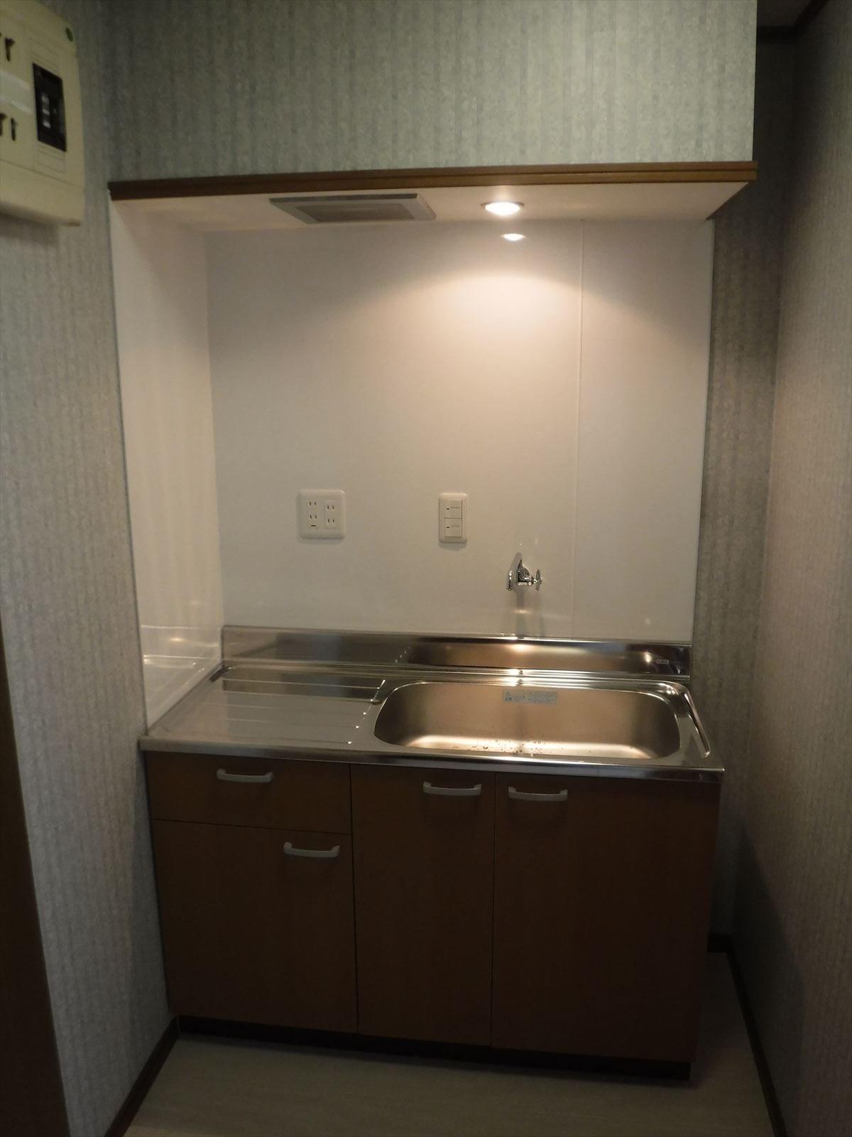 事務所の水廻りを改装!給湯室 キッチン取替え