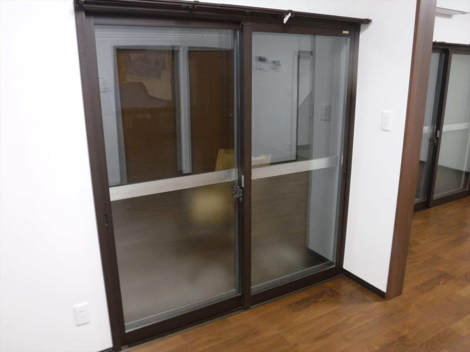 この家で暮らしていくしか・・・台所 掃出窓 二重サッシ
