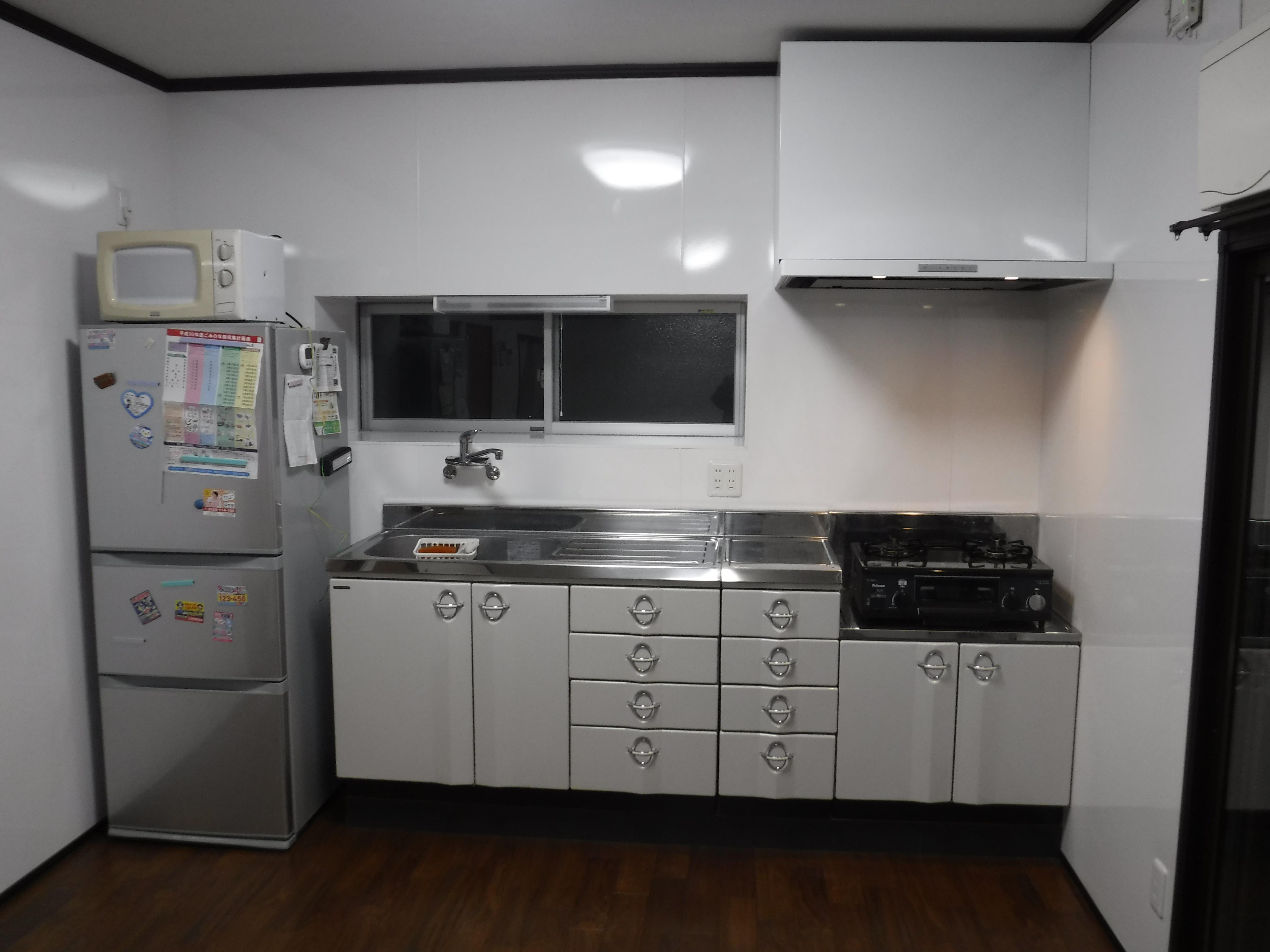 この家で暮らしていくしか・・・キッチン工事2回目 全体