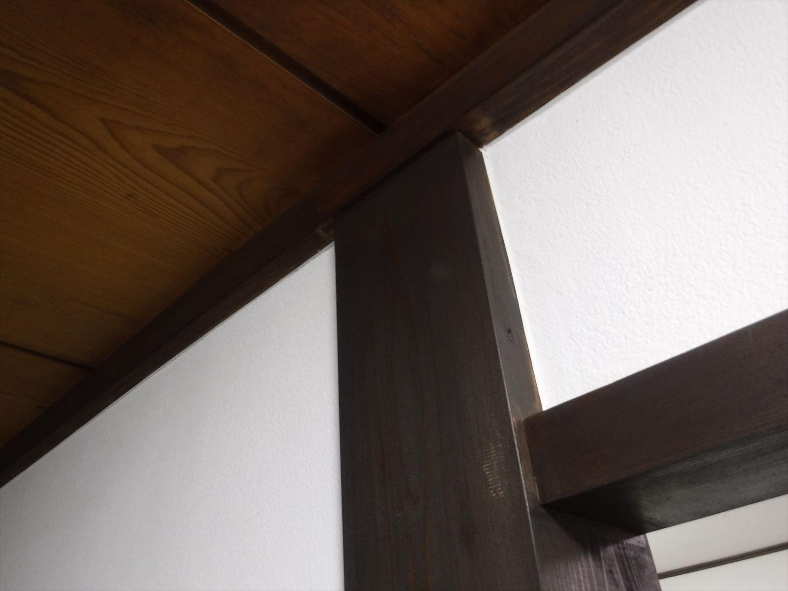 この家で暮らしていくしか・・・更に拡大工事 廊下 木部塗装工事