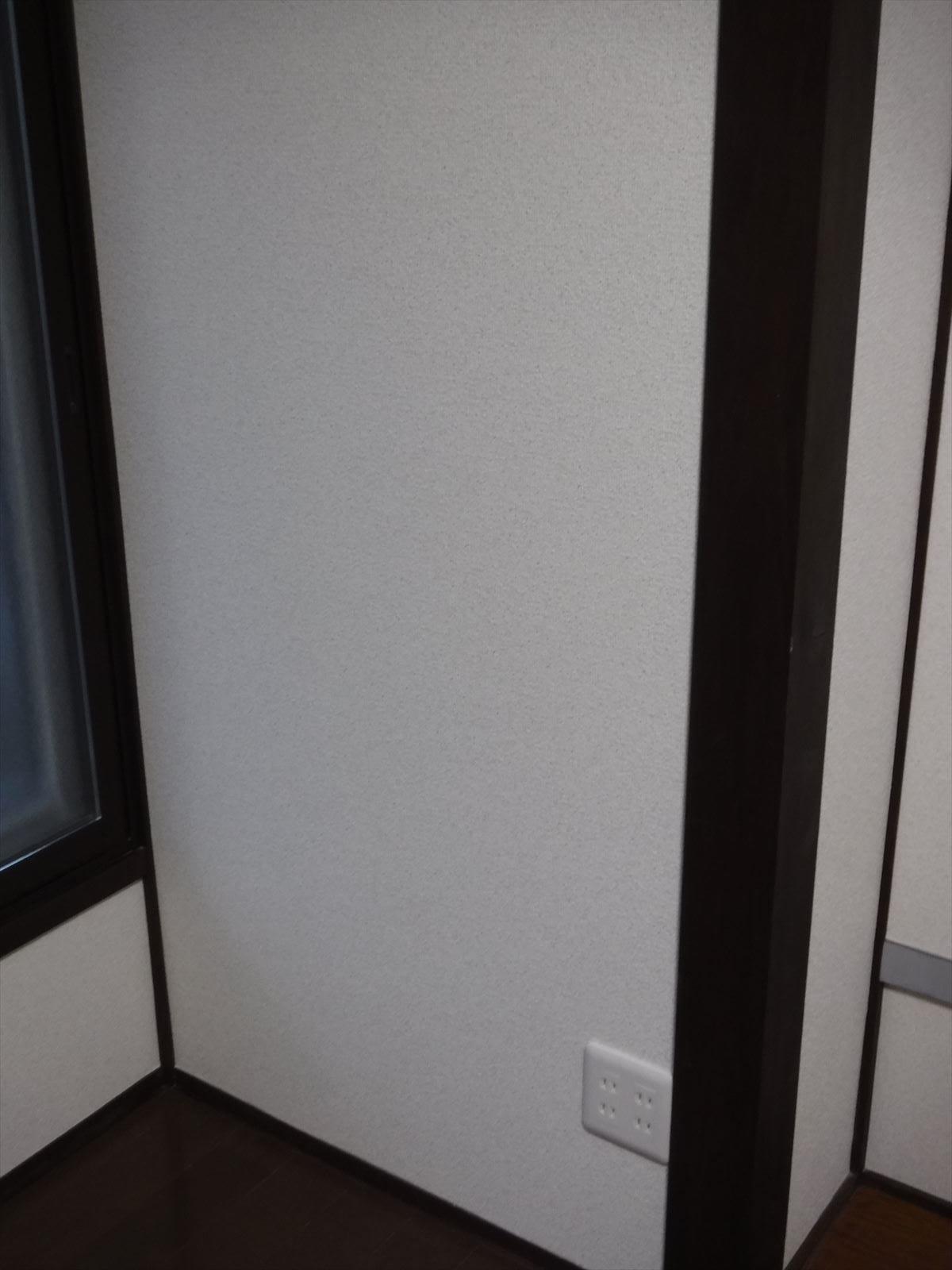 この家で暮らしていくしか・・・6畳和室⇒柱塗装