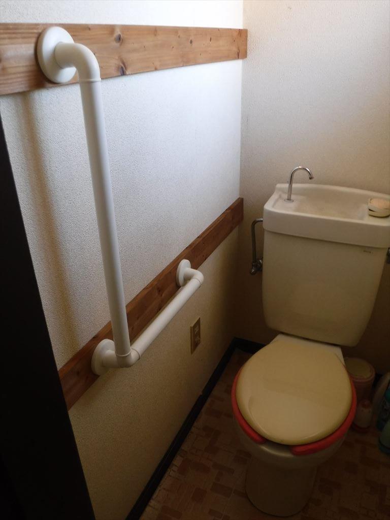 毎年現れるなぁ~トイレに手すりを介護保険で!2F