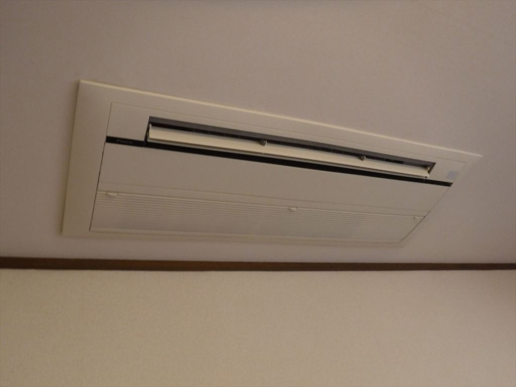 天井埋込カセット形 空調 リビング