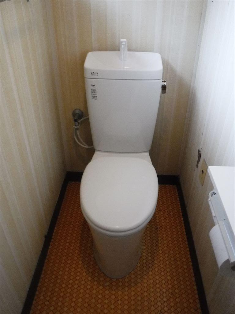 お隣さん工事?終わったら!うちも・・・2Fトイレ