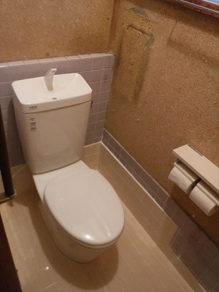 お隣さん工事?終わったら!うちも・・・1Fトイレ