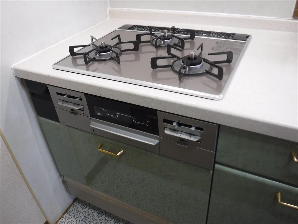 マンション キッチン ガスコンロ手入れがしやすい物に・・・