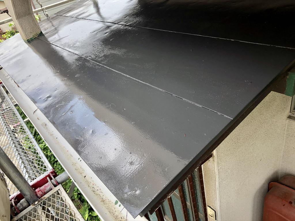 お隣さん工事?終わったら!うちも・・・玄関屋根・キリヨケ 塗装