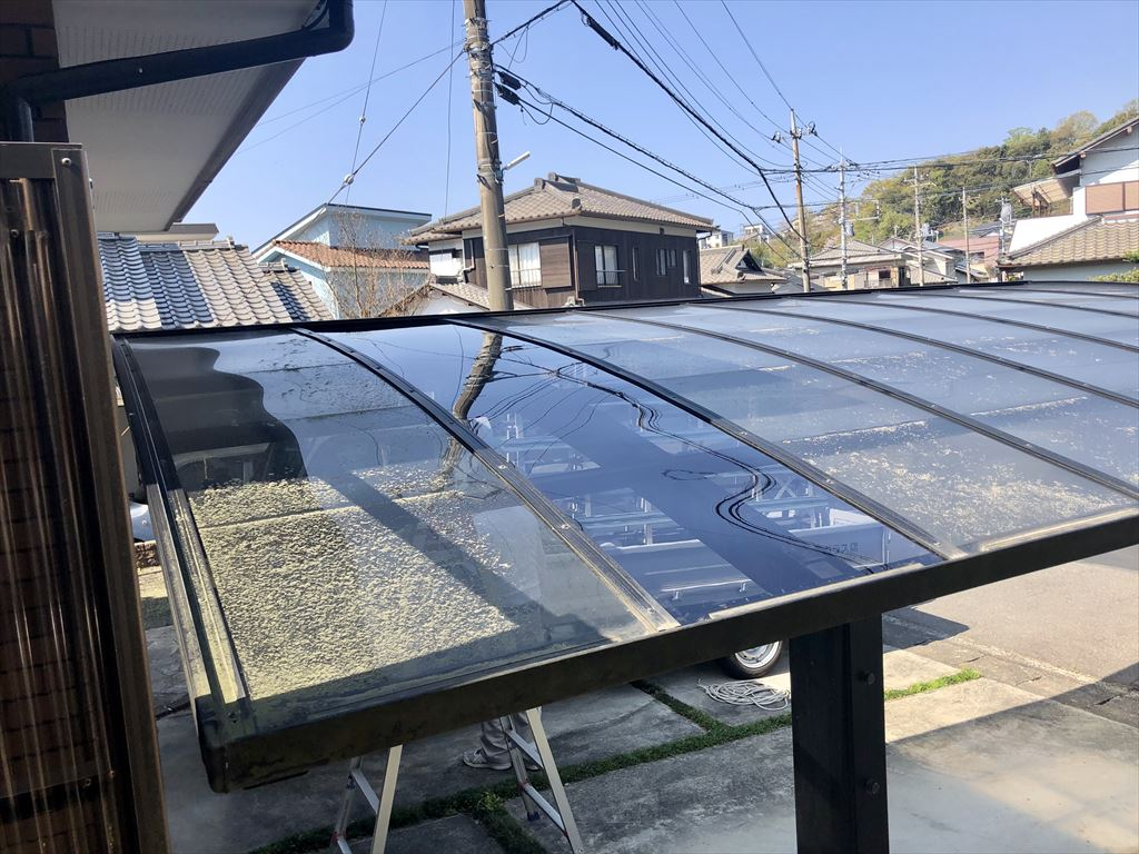 台風19号の時、カーポートの1枚だけが・・・