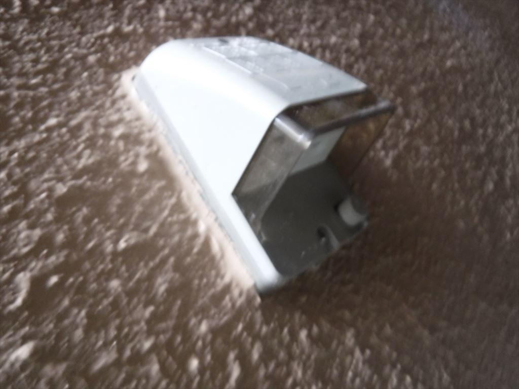 洗濯機をキッチンの隣に並べるしか!外の防水コンセント取替え
