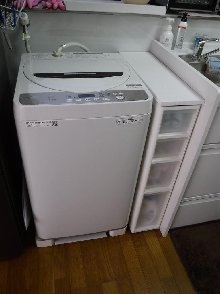 洗濯機をキッチンの隣に並べるしか・・・!洗濯機置場